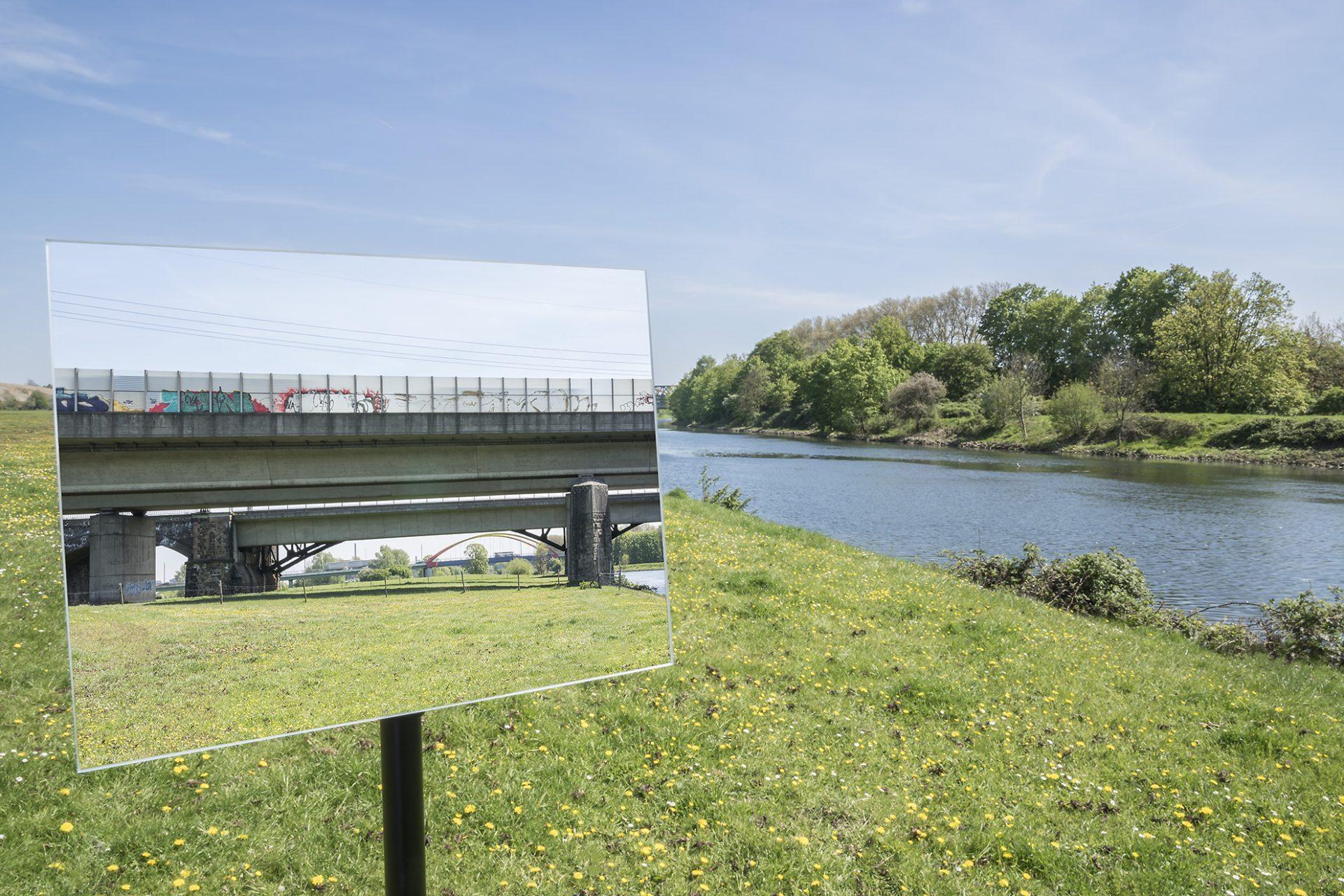 Brücke A 3/Ruhrwiese • Lambda-Print auf FUJIFILM Crystal Archive DPII, 75 x 50 cm, rahmenloser Bilderhalter • Auflage: 5 + 2 Artist's Proof